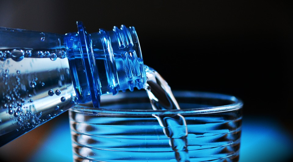 Dieta, acqua - www.alimentazionesumisura.com